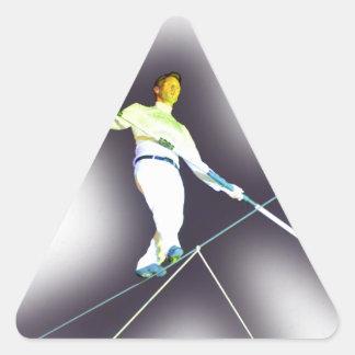 el caminar de la cuerda tirante pegatina triangular