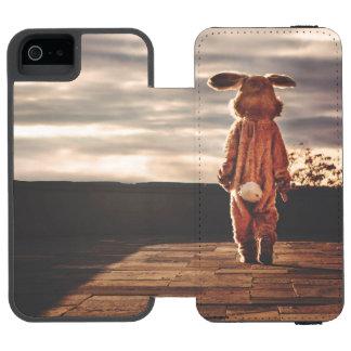 El caminar del conejito de pascua funda cartera para iPhone 5 watson