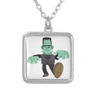El caminar del monstruo de Frankenstein sonriente Colgante Cuadrado