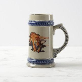 El caminar del tigre jarra de cerveza