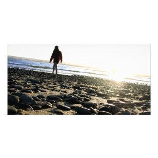 El caminar en piedras tarjetas fotográficas