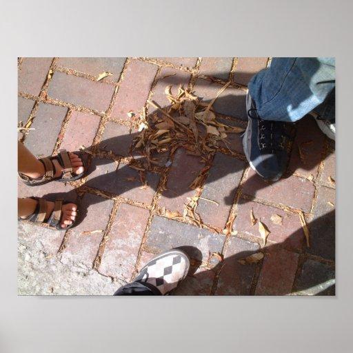 el caminar en sus pasos póster