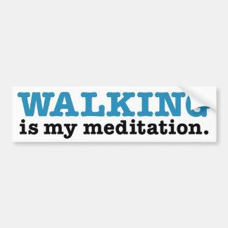 El caminar es meditación (la edición azul) etiqueta de parachoque