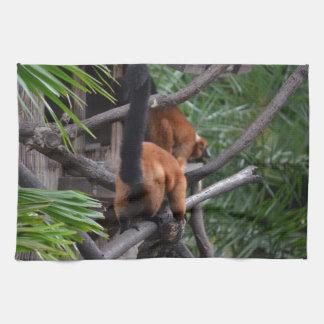 El caminar hinchado rojo del extremo del Lemur Toallas De Mano