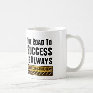 El camino al éxito taza de café