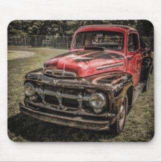 El camión antiguo rojo viejo tapetes de raton