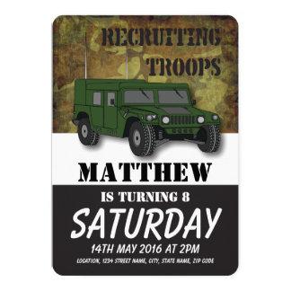 """El camión militar del camuflaje del ejército invitación 5"""" x 7"""""""