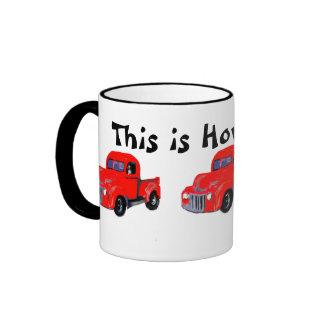 El camión rojo viejo esto es cómo ruedo taza
