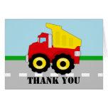 El camión volquete del muchacho lindo le agradece tarjeta
