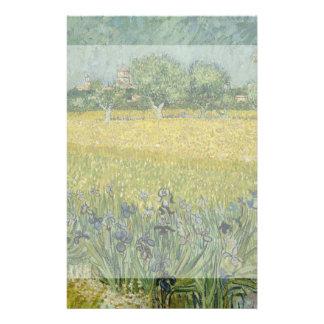 El campo con las flores acerca a Arles de Vincent  Tarjeton