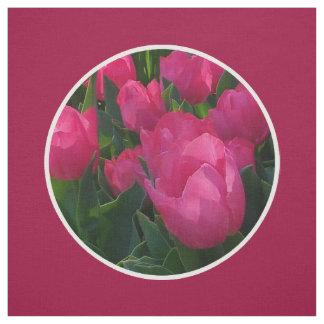 El campo de tulipanes tejó la tela de algodón del telas
