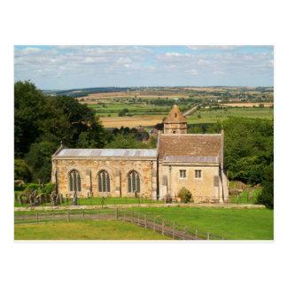 El campo inglés representa el castillo de Rockingh Tarjetas Postales