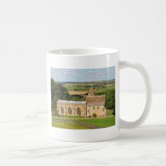 El campo inglés representa el castillo de Rockingh Tazas