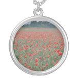 El campo rojo de la amapola, Kent, Inglaterra flor Pendiente