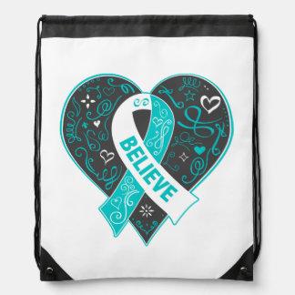 El cáncer de cuello del útero cree el corazón de mochila