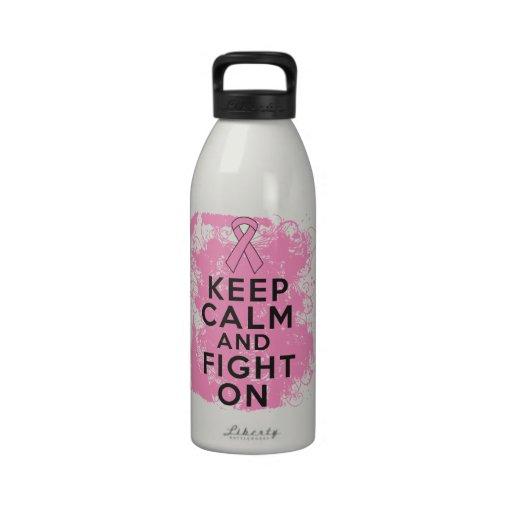 El cáncer de pecho guarda calma y lucha On.png Botella De Agua Reutilizable