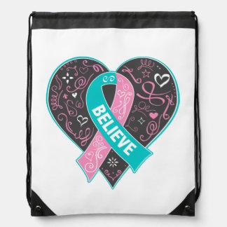 El cáncer de pecho hereditario cree el corazón de mochilas