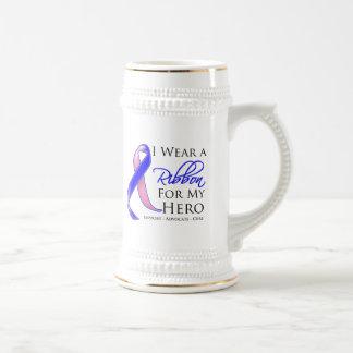 El cáncer de pecho masculino llevo una cinta para  jarra de cerveza