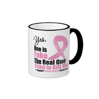 El cáncer de pecho uno es falsificación taza de dos colores