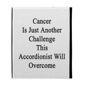 El cáncer es apenas otro desafío este acordeonista
