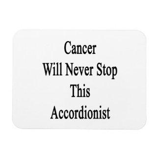 El cáncer nunca parará a este acordeonista
