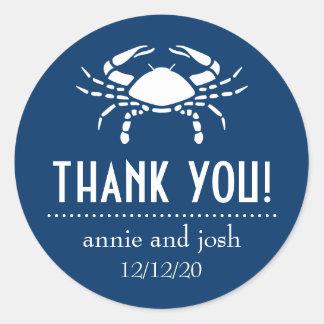 El cangrejo le agradece las etiquetas (azul pegatina redonda