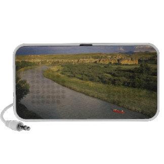 El Canoeing en el Milk River en la escritura en la Laptop Altavoz