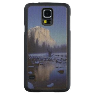 El Capitan Mountain, Yosemite National Park, Carved® Maple Galaxy S5 Case