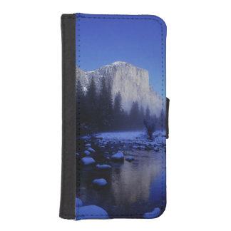 El Capitan Mountain, Yosemite National Park, iPhone SE/5/5s Wallet Case