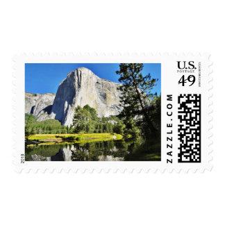 EL Capitan y río de Merced en Yosemite