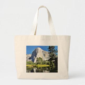 EL Capitan y río de Merced en Yosemite Bolsa
