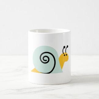El caracol Slugs el animal lindo del dibujo animad Taza