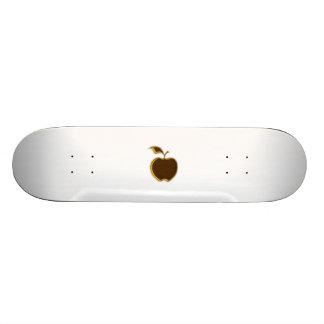 ¡El caramelo Apple anda en monopatín.!