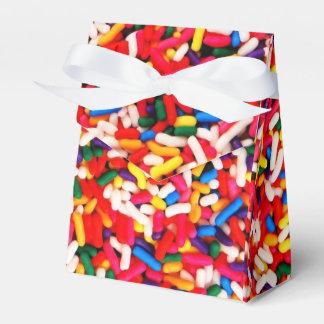 El caramelo colorido asperja la caja del favor caja para regalos