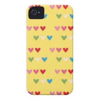 El caramelo retro de los corazones 80s rayó la fun iPhone 4 Case-Mate fundas