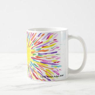 El caramelo riega al artista del autismo taza de café