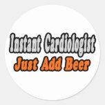 El cardiólogo… añade la cerveza etiquetas redondas