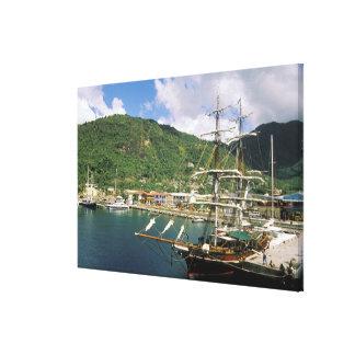 El Caribe, St Lucia, Soufriere. Barcos adentro Impresión En Lona Estirada