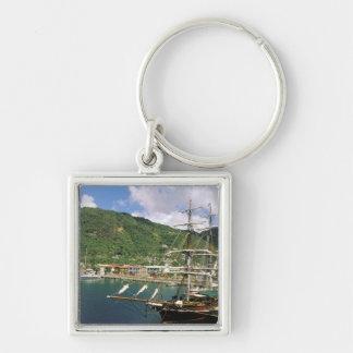 El Caribe, St Lucia, Soufriere. Barcos adentro Llavero Cuadrado Plateado