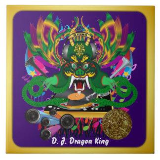 El carnaval D.J. Dragon rey visión hace alusión po Azulejos Cerámicos
