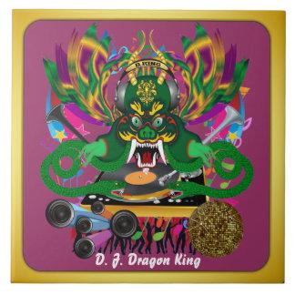 El carnaval D.J. Dragon rey visión hace alusión po Azulejos Ceramicos