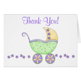 El carro verde del cochecillo de bebé le agradece tarjeta pequeña