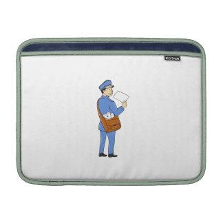 El cartero entrega el dibujo animado aislado letra fundas MacBook