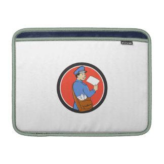 El cartero entrega el dibujo animado del círculo funda  MacBook