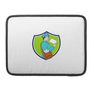 El cartero entrega el dibujo animado del escudo de funda para macbooks