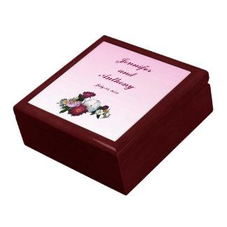 El casarse antiguo de los rosas cajas de recuerdo