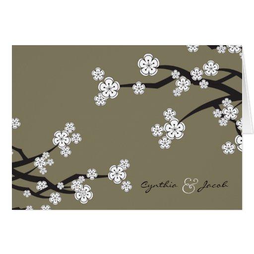 El casarse blanco de las flores de cerezo de Sakur