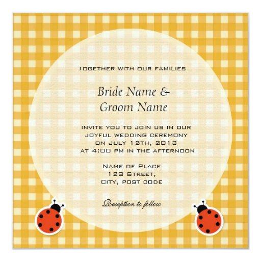 """El casarse brillante de los insectos de las telas invitación 5.25"""" x 5.25"""""""