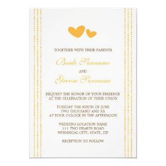 El casarse caprichoso de los corazones del naranja invitación 12,7 x 17,8 cm