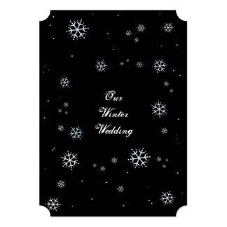 El casarse chispeante del invierno blanco y negro invitaciones personales